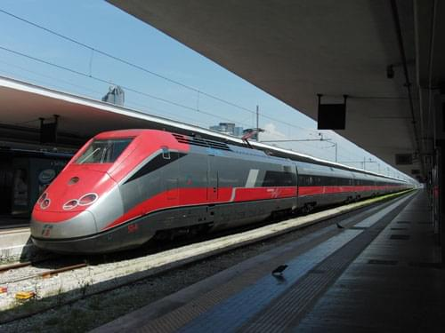 Getting around Italy, italian transport, trains in italy, eurostar, intercity trains, regional trains, buses, ferries, italian motorways, toll charges, coach travel in italy, italian car hire